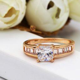 30826 – 18K Gold gyűrű